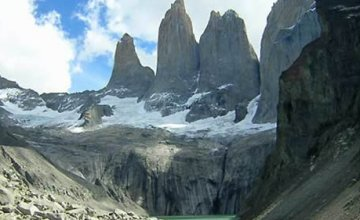 To the base of <i>Torres del Paine</i>