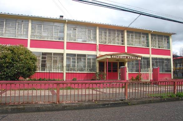 Escuela Aysén - Puerto Aysén, Autor: Eduardo Epifanio
