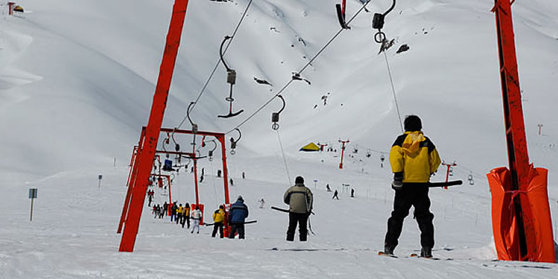 Ski Pucón brinda um ski rent com todos os acessórios e os ...